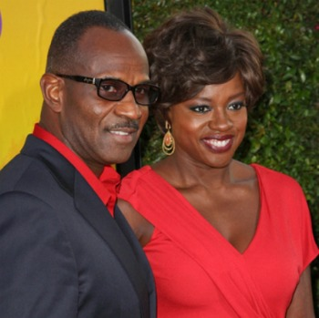 Post image for Viola Davis & Sandra Bullock's Kids Sitting In a Tree…