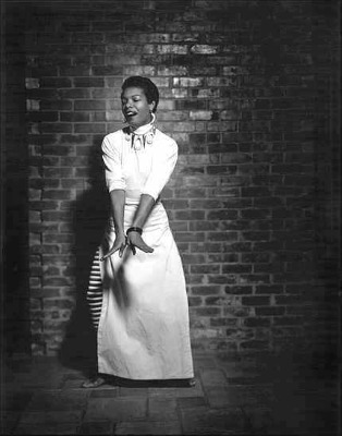 Maya Angelou's Note To Her 15-Year-Old Self (VIDEO)