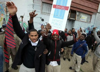 Post image for Black Boys in Detroit School Stage Walk Out to Protest Their Bad Education