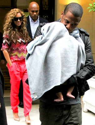 Post image for Beyonce, Jay-Z Take Blue Ivy To Paris: the Beauty Of Showing Kids the World