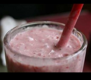 Want Healthy Delicious? Try This Strawberry Shortcake Smoothie!