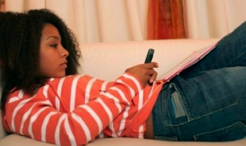 If Your Teen is 'Sexting,' She's Probably Having Sex, Too